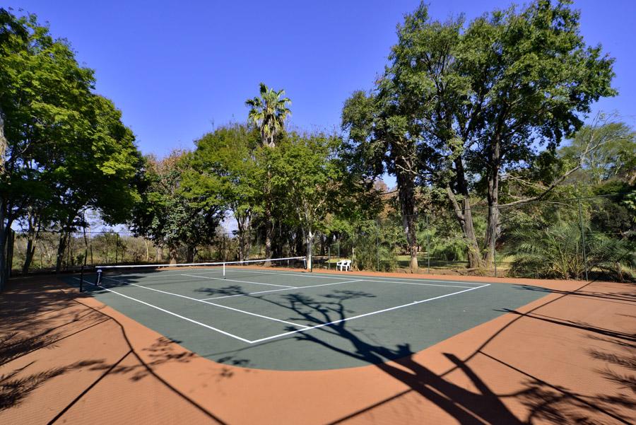 Makutsi Tennis Court