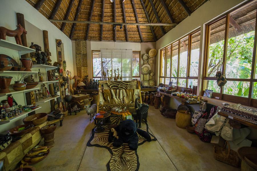 Makutsi_safarishop2